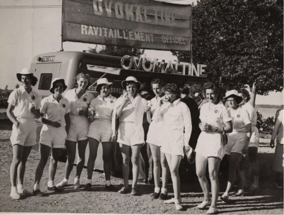 1951- The British women relax after racing at Macon © River & Rowing Museum