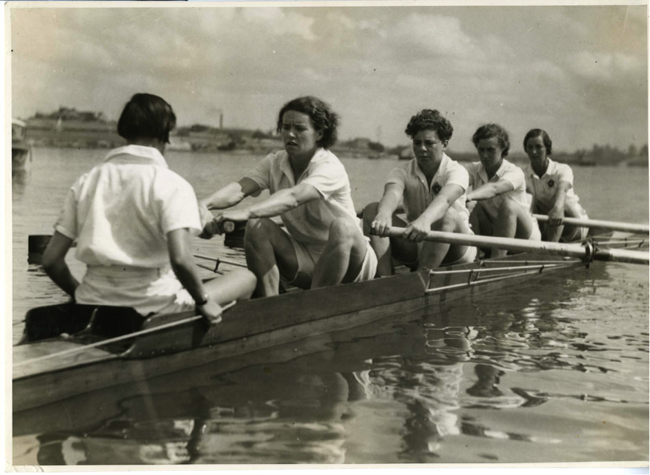 On tour in 1938- Eleanor Lester and her crew race in Sydney © River & Rowing Museum