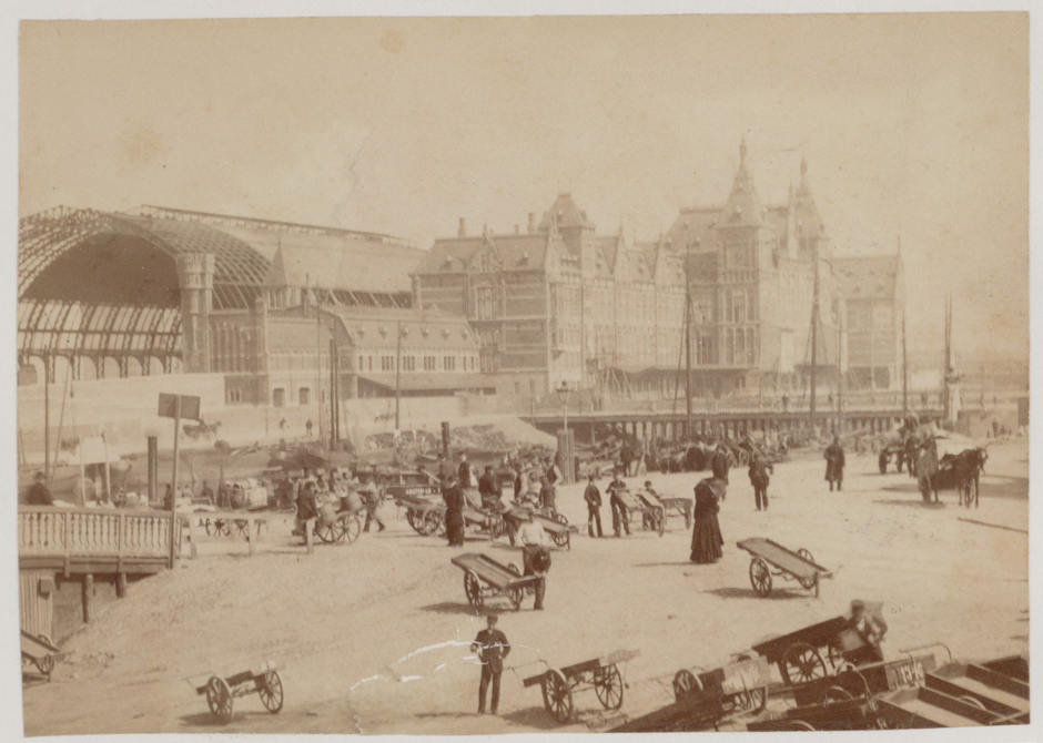 A Photo of the Stationsplein, Amsterdam, c.1882 (P.H.J. Reynet de la Rue) Collectie Stadsarchief Amsterdam: foto-afdrukken Image number: OSIM00002000130 Image Courtesy of Stadsarchief Amsterdam