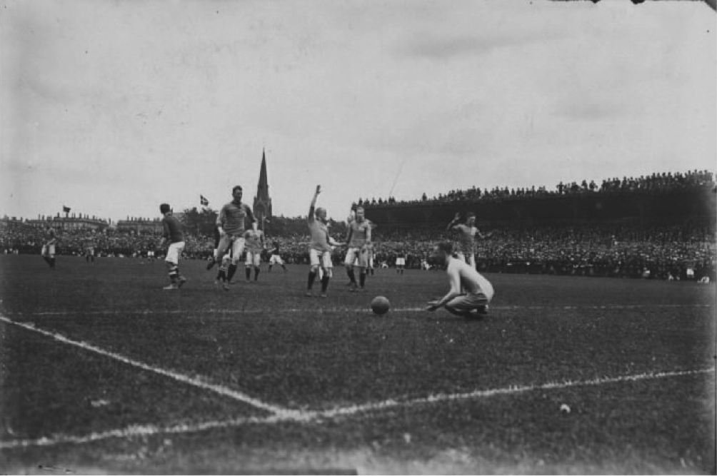 Danish supporters watching the 1917-fixture in Copenhagen from the roof of the stand. Photo: The National Library of Denmark, photographer Holger Damgaard