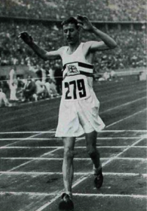 Harold Whitlock winning in 1936