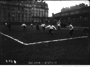 The phenomenon of friendly matches between sports journalists was not limited to the Low Countries. (Bibliothèque Nationale, Paris, France)
