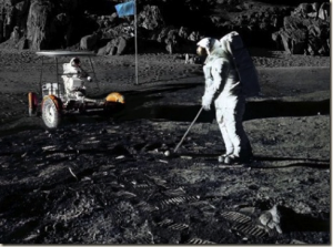 Alan Shepard plays Golf on the moon