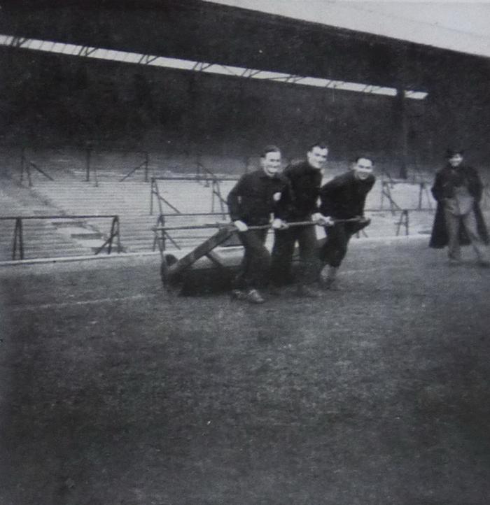 Gradjanski players in training at Wolverhampton