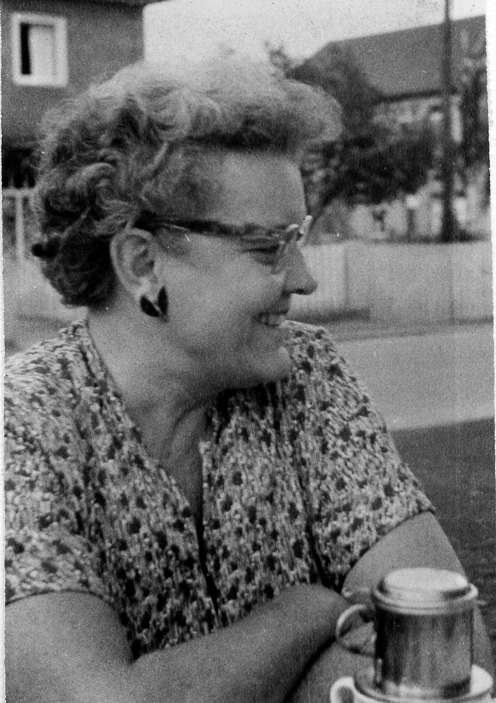 Kay Curtis By Gaylord Whitney, my grandfather - sent to me personally, Public Domain, commons.wikimedia.org:w:index.php?curid=30946516
