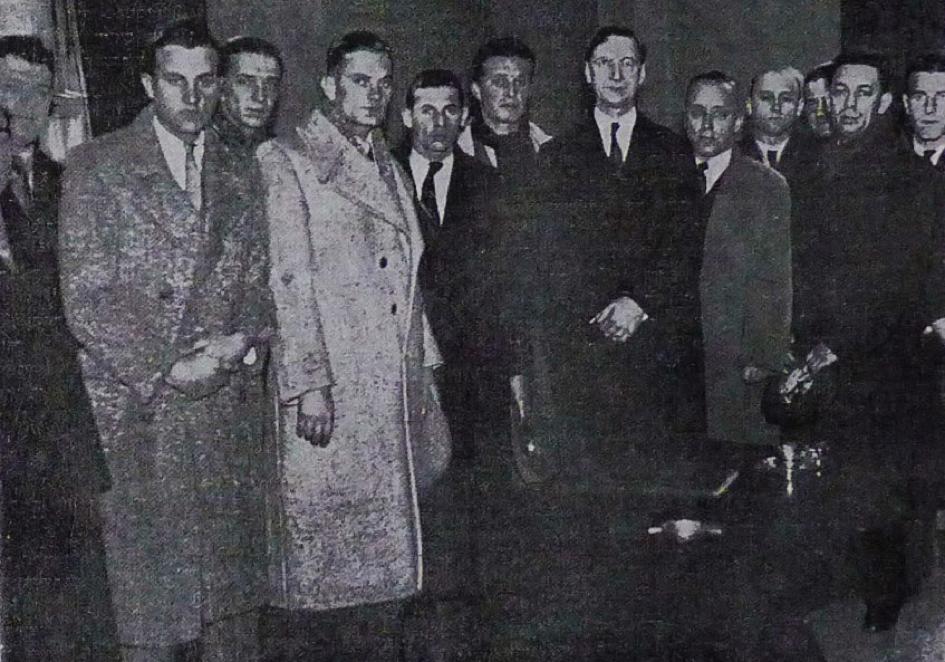 SK Jugoslavija delegation with de Valera