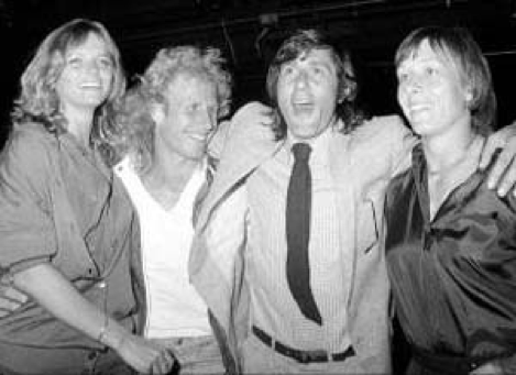 Cheryl Tiegs, Vitas Gerulaitis, Ilie Nastase and Martina Navratilova at Studio 54, 1979